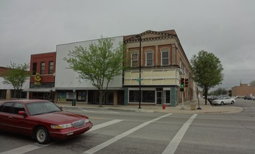 Downtown_Great_Bend_Kansas_5-5-2012.jpg