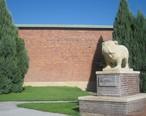Bulldog_emblem_at_Syracuse_High_School_IMG_5831.JPG