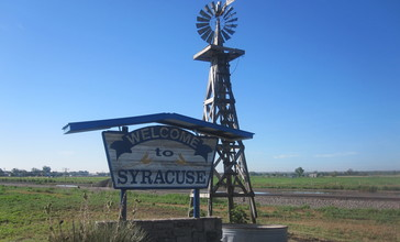 Syracuse__KS__welcome_sign_IMG_5825.JPG