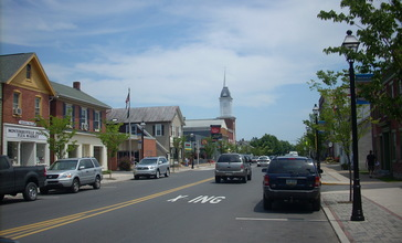 Montoursville_Broad_Street.JPG