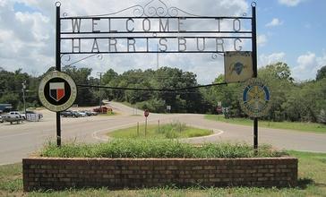 Welcome_to_Harrisburg_sign_Harrisburg_AR_2012-08_014.jpg