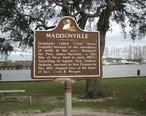 Madisonville2Feb06MonumentSignTchefuncte.jpg