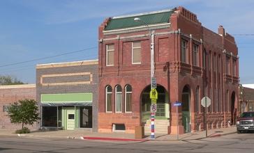 Grant__Nebraska_NE_corner_3rd_and_Central_from_SW_1.JPG