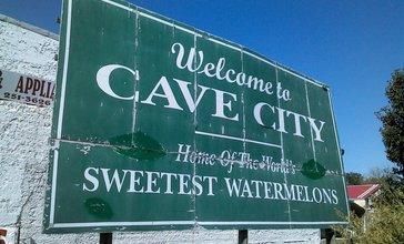Cave_City_sign.jpg