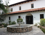 Mission_San_Luis_Obispo_de_Tolosa__CA_USA_-_panoramio__5___cropped_.jpg