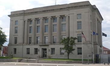 Rooks_County__Kansas_courthouse_from_NE_1.JPG