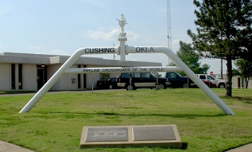 Cushing_pipeline_crossroads_sign.jpg