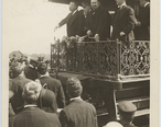President_Theodore_Roosevelt_Speaking_from_a_Railroad_Observation_Car__15013237379_.jpg