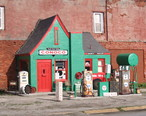 Old_Conoco_Station_-_Commerce.jpg