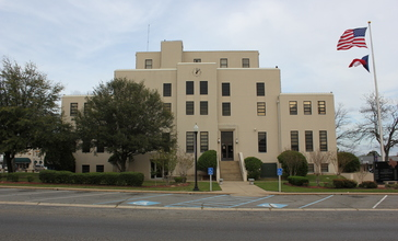 Titus_County_Courthouse__Mount_Pleasant__Texas__6997904820_.jpg