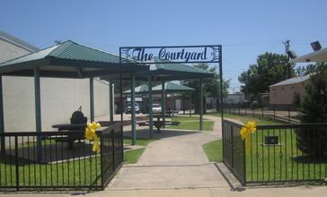 The_Courtyard__Centerville__TX_IMG_6234.JPG