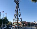 Windmill_on_Main_Street__Grapevine__TX__Oct_2012.jpg