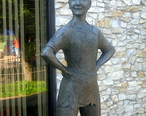 Peter_Pan_statue__Weatherford__TX_IMG_6476.JPG