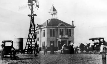 Winkler_County_Courthouse_1910.jpg