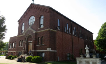 Saint_Isidore_Catholic_Church__Bloomingdale__Illinois__-_exterior_2.jpg