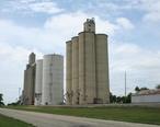 Ludlow_Illinois_grain_elevators.jpg