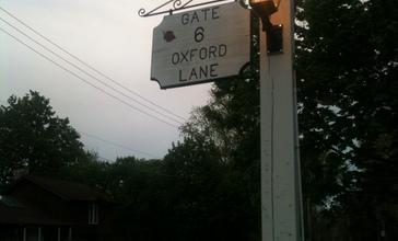 Lakewood_Illinois_Gate_6_street_sign.jpg