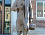 Statue_of_Lincoln__Marshall__IL__US__03_.jpg