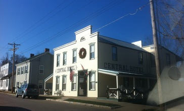 Central_Hotel_New_Haven_MO.jpg