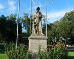 Madonna_of_the_Trail__Upland__California.JPG