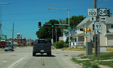 US24_East_-_IL100_North_with_IL97_North_Signs__41149630870_.jpg