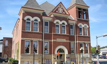 Pontiac_City_Hall_and_Fire_Station14.JPG