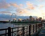 StL_Bridge_Skyline.jpg