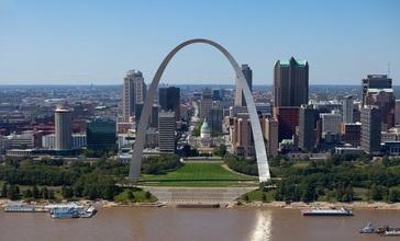 Gateway_Arch__St._Louis__Missouri__U.S.A.jpg