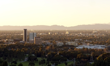 Burbank_media_district_from_Griffith_Park_2015-11-07.jpg