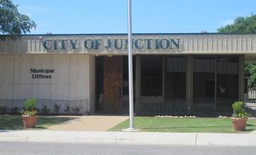 Junction__TX__City_Hall_IMG_4325.JPG