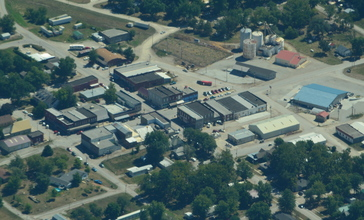 Aerial_view_of_Jamesport__Missouri_9-2-2013.JPG