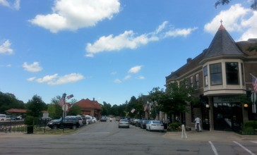 Downtown_Hinsdale_Illinois.jpg