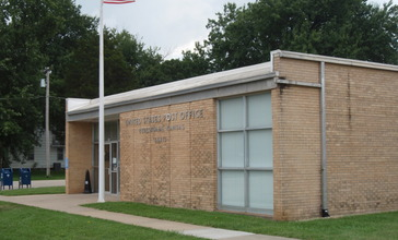 Burlingame_kansas_post_office_2009.jpg