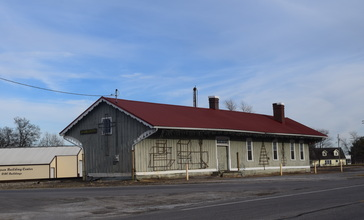 Railroad_depot__Dahlgren__IL.jpg