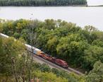 Mississippi_River_near_Savanna_Illinois_with_Railroad_Train_Oct_4_2015.JPG