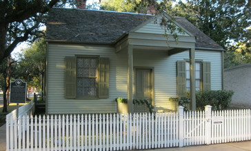 Richmond_TX_Long-Smith_Cottage.JPG