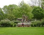 Ottawa_Il_Washington_Park_Historic_District_Lincoln-Douglas_Statues1.jpg