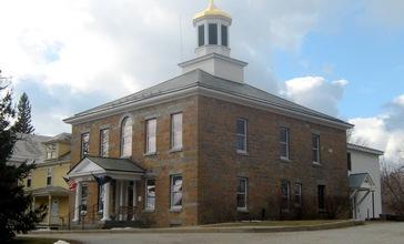 Grand_Isle_County_Courthouse_01.JPG