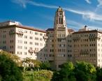 Vista_del_Arroyo_Hotel_in_Pasadena__California_11__cropped_.jpg