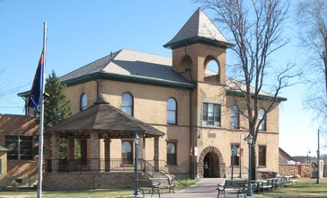 Historic_Navajo_County_Courthouse_and_Museum_cropped.jpg