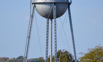 Bourbon_Missouri_Water_Tower-20161016-3302.jpg