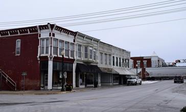 Downtown_Monroe_City__Missouri.jpg