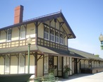Southern_Pacific_Railroad_Depot__Whittier.JPG