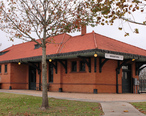 Texas_and_New_Orleans_Railroad_Depot_2015.jpg