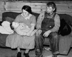 Mennonite_couple_with_baby_Montana_1937.jpg