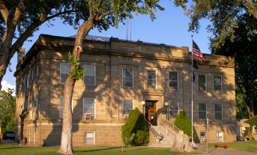 Elmore_county_courthouse_2009.jpg