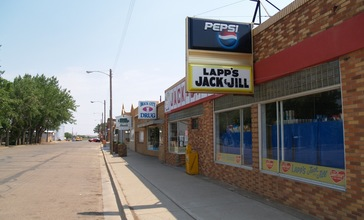 Lapp_s_Jack_and_Jill_in_Hebron__North_Dakota_6-30-2006.jpg