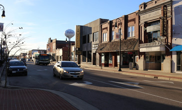 Collinsville_Main_Street.jpg