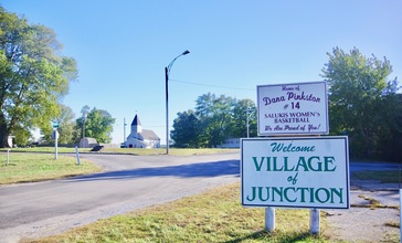 Junction-welcome-sign-il.jpg