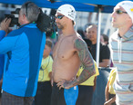 Anthony_Ervin_at_start_of_50m_free__27023743703_.jpg